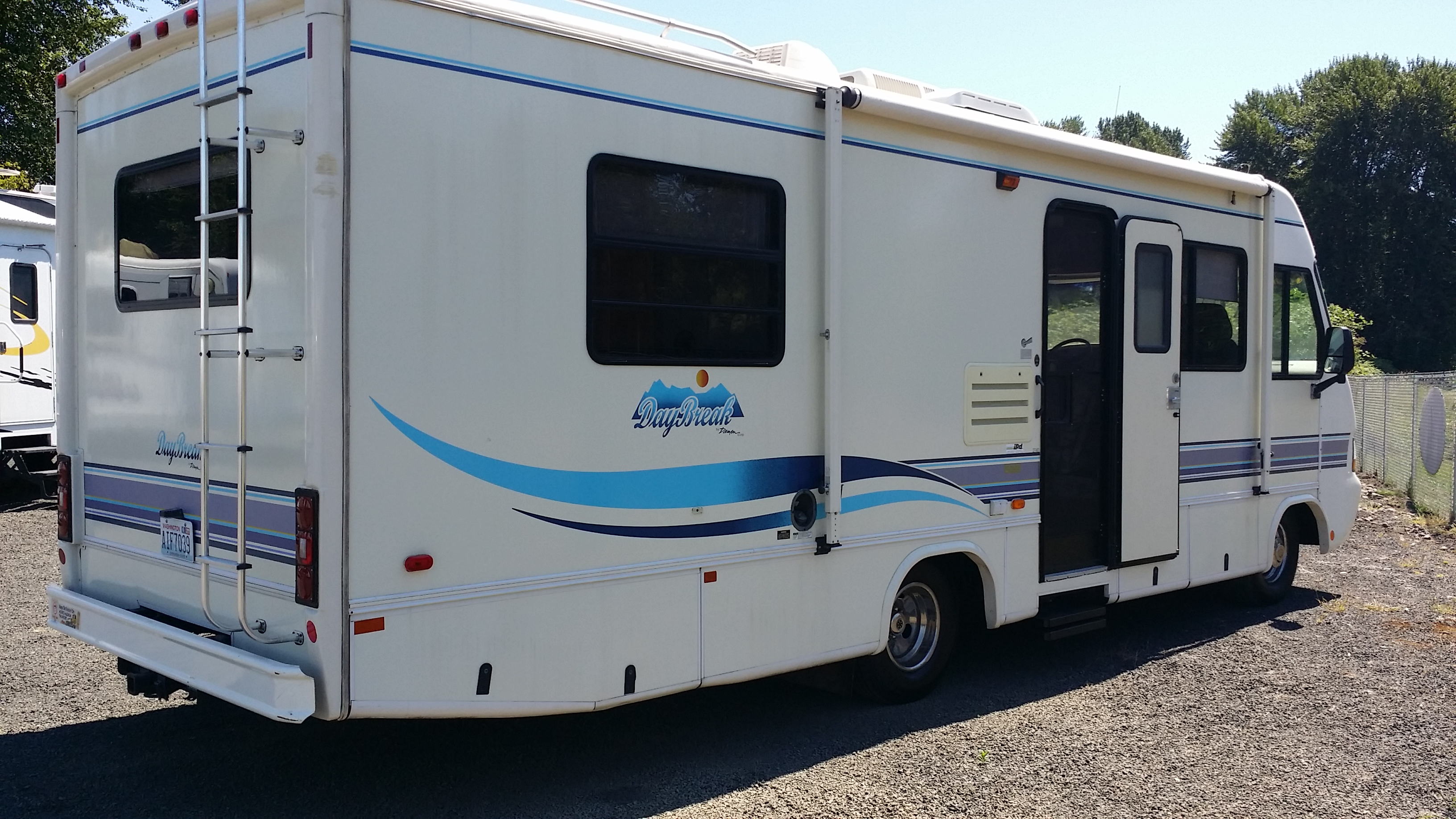 1996 damon daybreak motorhome,200,125,Longview,85 For Rent